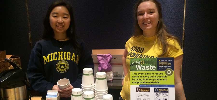 Students-staffing-zero-waste-event-(1)